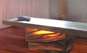 Verstellbare Massageliege mit Licht 6